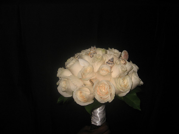 Bouquet - Ivory Roses with seashell accents