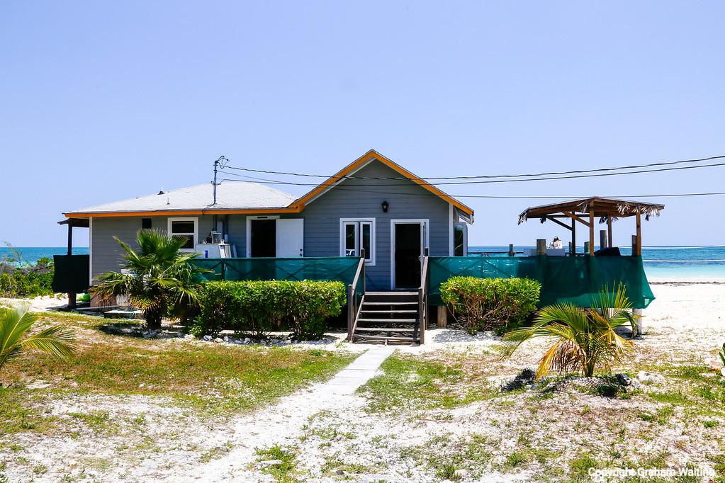 Grand Bahama, Bishops beach restaurant