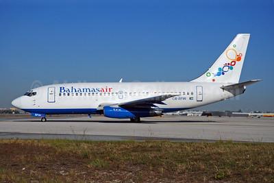 Bahamasair Boeing 737-2K5 C6-BFW (msn 22601) MIA (Bruce Drum). Image: 100280.