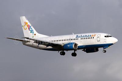 Bahamasair Boeing 737-5H6 C6-BFE (msn 26450) FLL (Brian McDonough). Image: 910747.