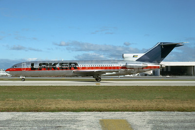 Laker Airways (Bahamas) Boeing 727-281 N743US (msn 20285) (USAir colors) MIA (Bruce Drum). Image: 104418.