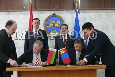 2019 оны дөрөвдүгээр сарын 19. Беларусь Улсын Засгийн газраас олгох 50 сая еврогийн зээлийн хэлэлцээрт гарын үсэг зурлаа. ГЭРЭЛ ЗУРГИЙГ Г.ӨНӨБОЛД/MPA