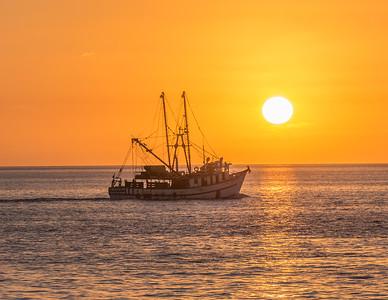 Sunrise over Bahía Magdalena near Isla de Magdalena. Baja California Sur, Mexico.