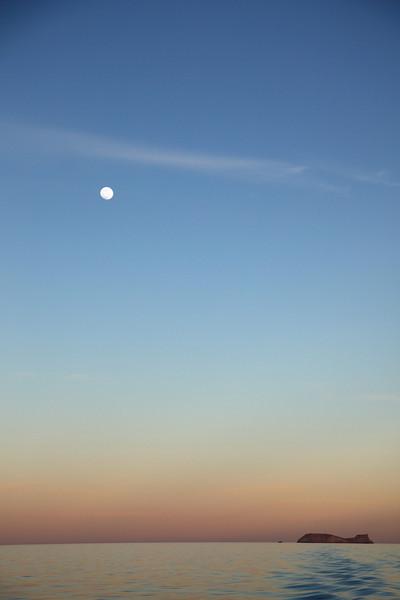 Sunset and moonrise over Isla Las Animas