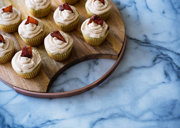 banana cupcakes with peanut butter buttercream and candied bacon