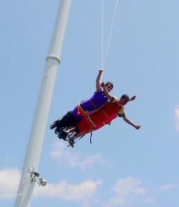 LkCompounce Festival 5-30-03-2989 bungee
