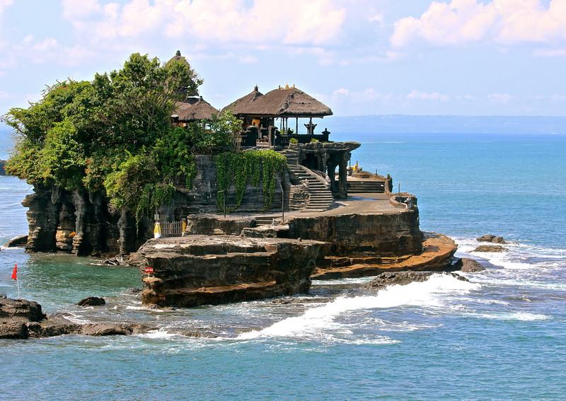 Un Temple à la Mer, Tanah Lot