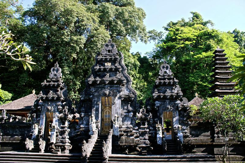 Temple de Goa Lawah