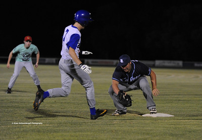 Jesse Stemberger (Barmera) on 1st base runs out Renmark runner, Jayden Perry