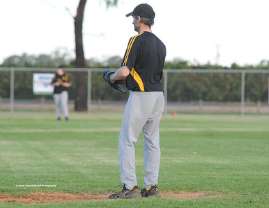 Karl Hennig (Loxton ) pitcher