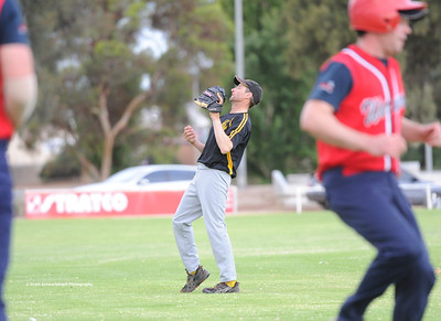 Karl Hennig (Loxton) takes the catch