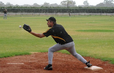 Mark Neuman (Loxton) on 1st base