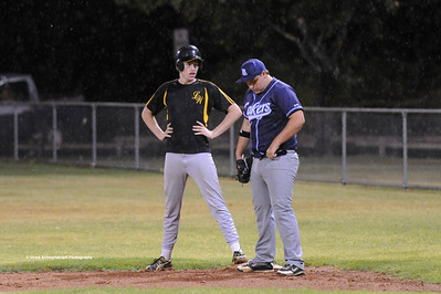 Todd Andrews (Loxton) on 1st base