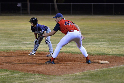 Jordan Walker (Barmera) ready to steal to 2nd base  as Roly Beviss (Berri) waits for the ball