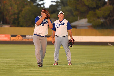Dave Grenfell (Renmark B) takes the catch  as Alan Selfe (Renmark B) watches