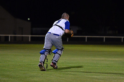 Dave Grenfell (Renmark) goes for the catch