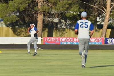 Warren Beer (Renmark) in the outfield