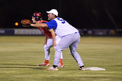Anton Cook (Berri) ready to steal to 2nd as  Shane Healy (Renmark) waits on 1st base