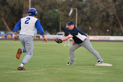 Alan Selfe (Renmark) strides out to 1st base