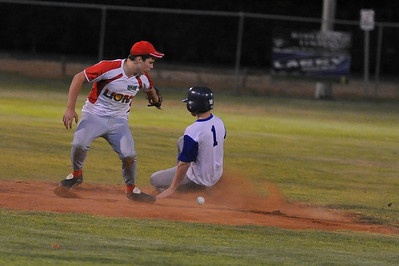 Stefan Best (Renmark) safe at 2nd as  Roley Boon (Lyrup) tries to tag.