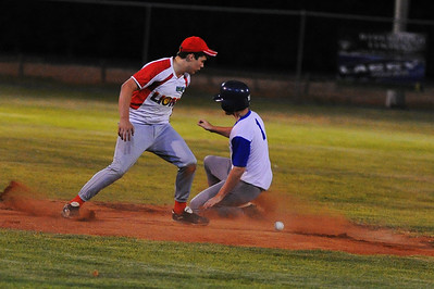 Stefan Best (Renmark) safe at 2nd as Roley Boon (Lyrup) tries to tag