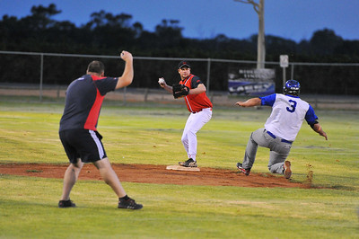 Dave Grenfell (Renmark) out at 2nd base