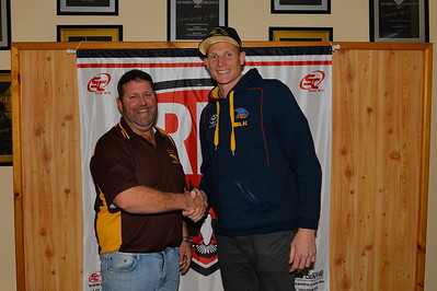2015 Independent Coach of the Year, Ashley Smith (Brownswell) with guest speaker, Sam Jacobs (Adelaide Crows)