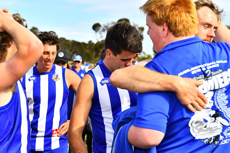 """2017 """"B"""" Grade Premiership celebrations and song Renmark"""