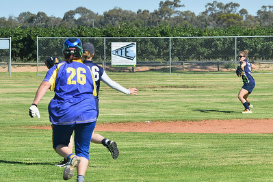 Bronwyn Smith (Cobby) heads for 2nd base as Tara Allistar (Loxton) throws the ball in