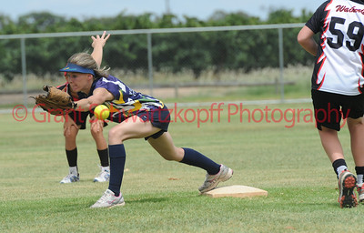 Nick Hocking (Waikerie) makes it to 2nd base as Rachel Wagner (Loxton)  tries to get ball.