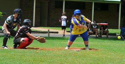 Kendal Hayes (Cobby) batting with Sarah Schiller (Waikerie) catching. Jason Cuthbertson umpire