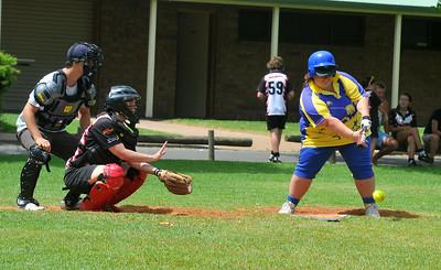 Kendal Hayes (Cobby) batting with Sarah Schiller (Waikerie) catching. Jason Culbertson umpire