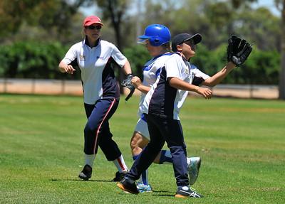 Petrina McDonald (Renmark) runs to 2nd base