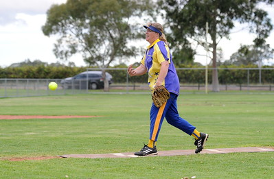 Jo Gregory (Cobby) pitching