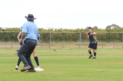 Outfield catch by Brett Anderson (Loxton)