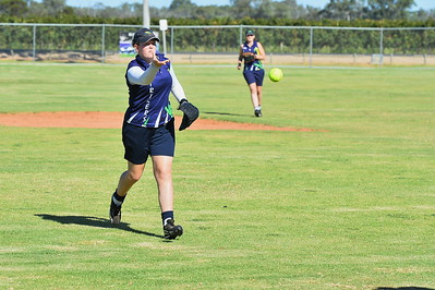 Mikayla Hammerstein (Loxton) throws to 1st to make the out