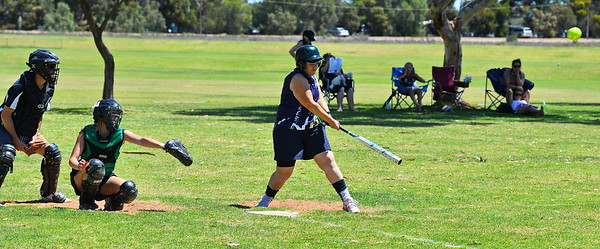 Kellie Holland (Loxton A) at bat with Emmie Richardson (Loxton B) catching