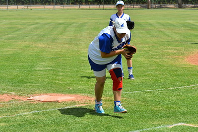 Ros Hodge (Renmark) takes the catch