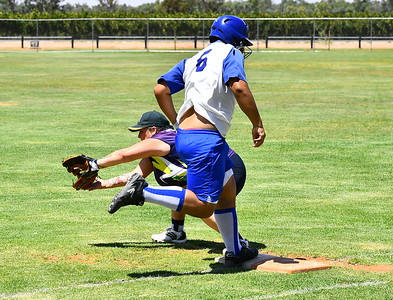 Colby Lawton (Renmark) safe at 1st