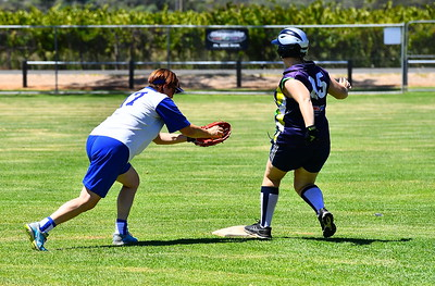 Taylah Watkins (Loxton) safe at 2nd as Monica Hawker (Renmark) tries for the out