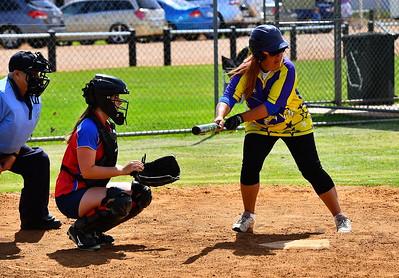 Monica Haaja (Cobby) at bat with Lara Brauer (Lyrup) catching
