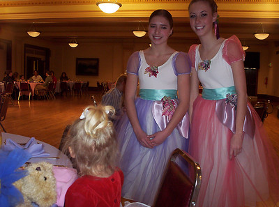 Several ballerinas visited our table as we were eating brunch.