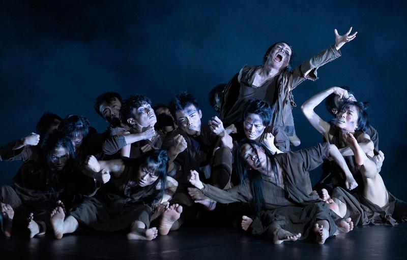 Cloud Gate Dance Theatre of Taiwan performing at Sadler's Wells Theatre, London UK