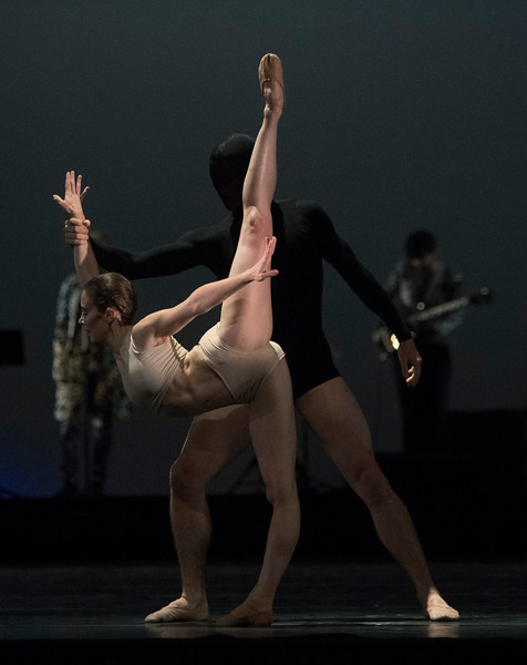 """'Carbon Life"""" Ballet choreographed by Wayne McGregor performed by the Royal Ballet at the Toyal Opera House, London, UK"""