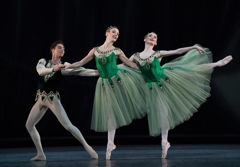 Valeri Hristov  Beatriz Stix-Brunell Laura Morera<br /> ©Alastair Muir 03.04.17<br /> Jewels-Emeralds 159