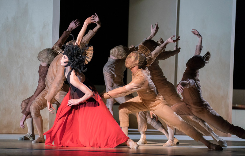 'Medusa' Ballet Choroegraphed by Sidi Larbi Cherkaoui performed by the Royal Ballet at the Royal Opera House, London, UK