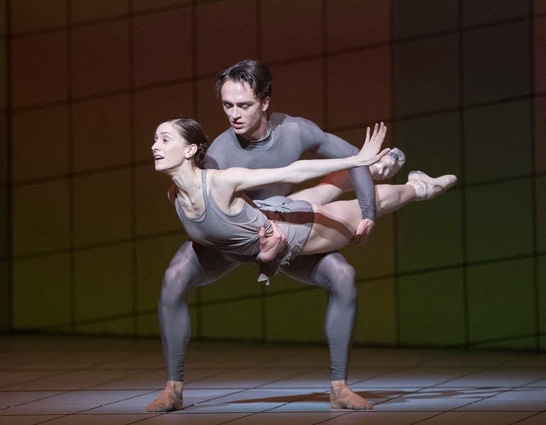 'Multiverse' New ballet choreographed by Wayne McGregor performed by the Royal Ballet at the Toyal Opera House, London, UK