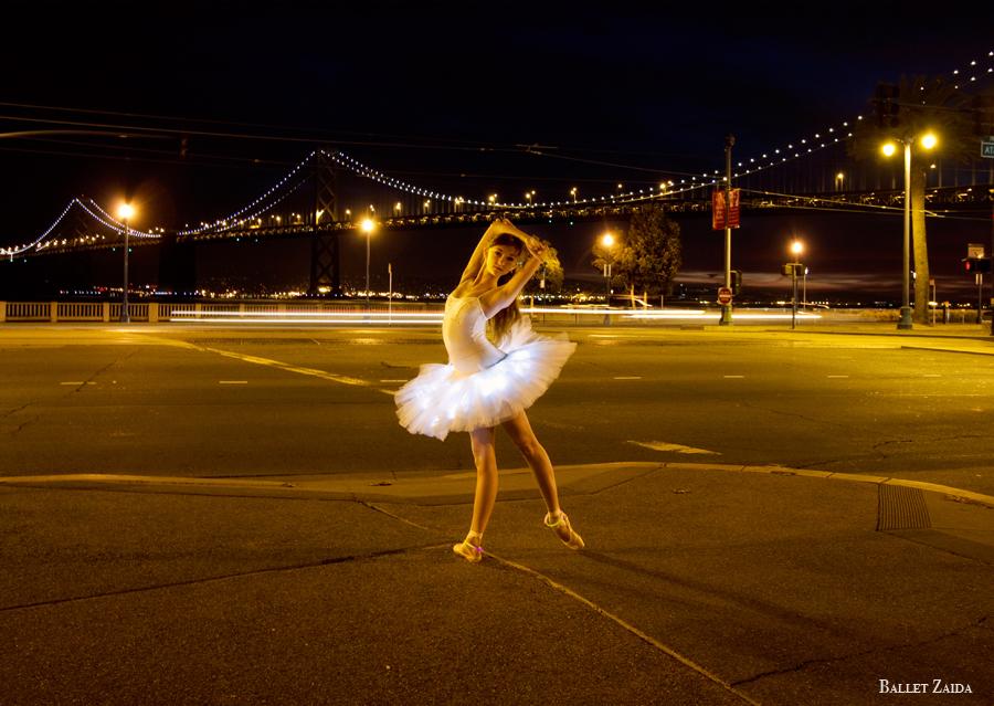 Dancer - Jeanette Kakareka.<br /> <br /> Location - San Francisco, California.<br /> <br /> © 2010 Oliver Endahl