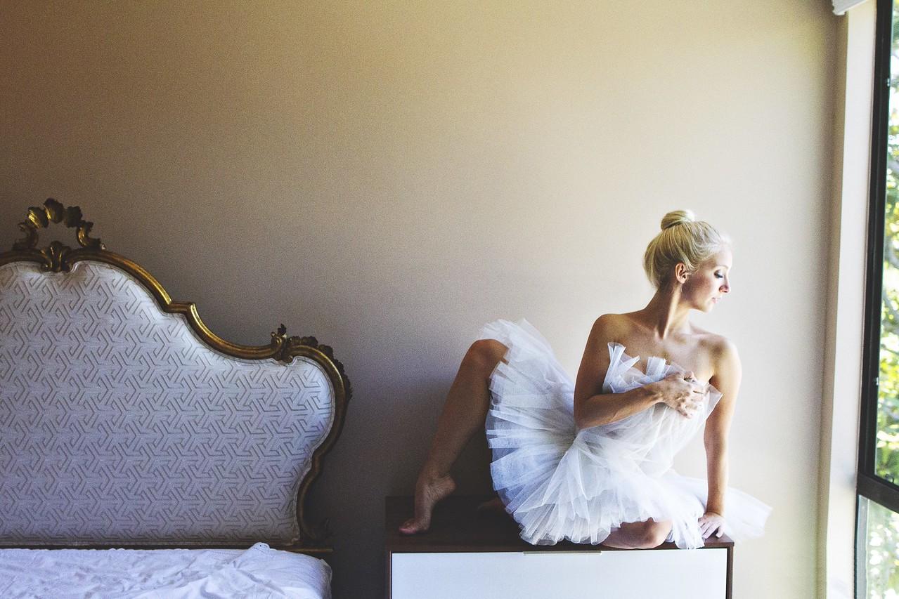 Dancer - Maxine Hupy. <br /> <br /> Ballet Zaida is on Instagram. Username: BalletZaida