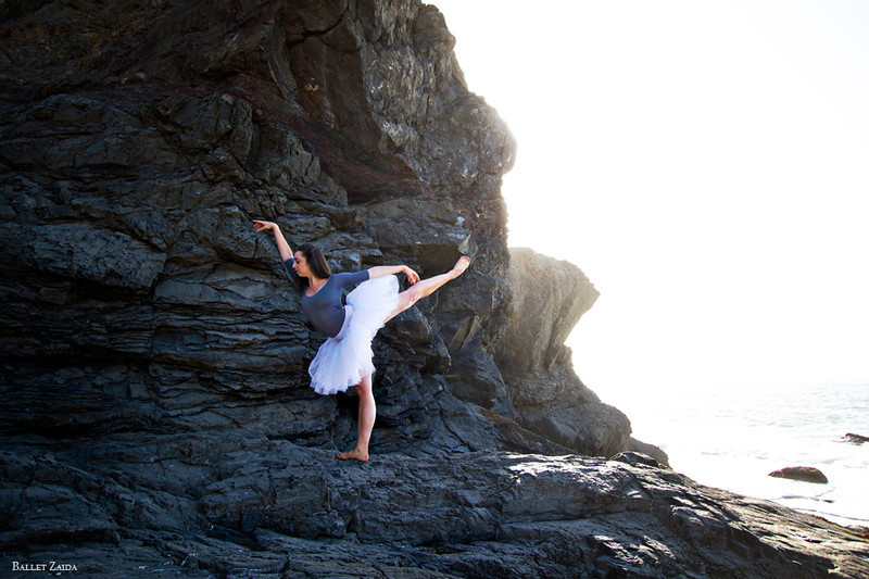 Dancer - Jordan Hammond.<br /> <br /> Location - China Beach. San Francisco, California.<br /> <br /> © 2012 Oliver Endahl